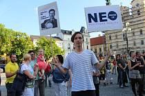 Ve středu 17. května se sešlo na dvě stě demonstrantů na uherskohradišťském Masarykové náměstí na protestní akci proti politickému působení Andreje Babiše a chování Miloše Zemana s názvem Proč?