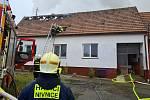 Požár rodinného domu a hospodářské budovy v Horním Němčí - 6. 2. 2021