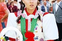 Do kroje se oblékla i Michaela Němcová.