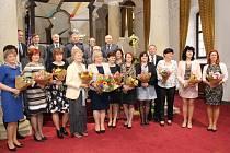 Zlínský kraj ocenil v uherskobrodském Muzeum Jana Ámose Komenského 18 učitelů za jejich práci. Čtveřice oceněných pedagogů byla ze Slovácka.