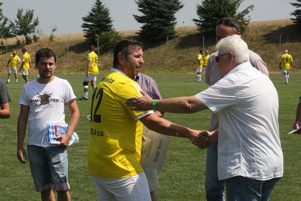 Fotbalisté Polešovic si na oslavy výročí 90 let pozvali Mercedes tým Petra Švancary.