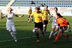Fotbalistky Slovácka (v bílých dresech) na Městském stadionu Miroslava Valenty zdolaly Horní Heršpice 2:1.