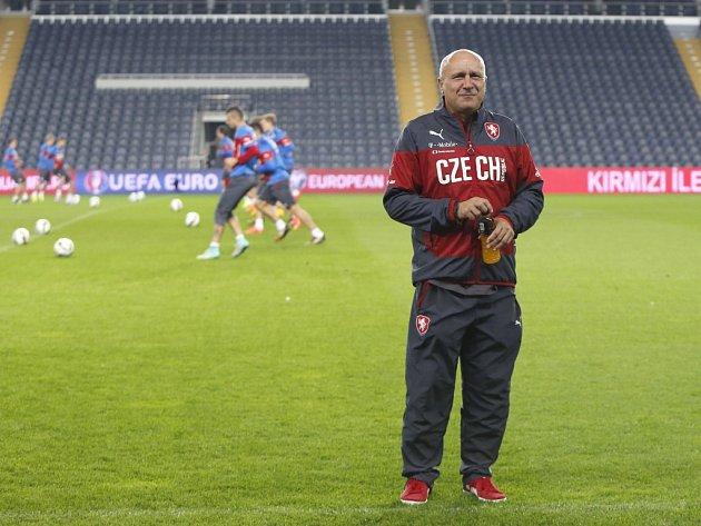 Kustod reprezentace ČR Josef Hamšík.