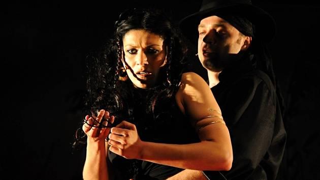 Přípravy na premiéru muzikálu Carmen vrcholí.