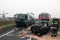Smrtelná dopravní nehoda mezi Veselím nad Moravou a Uherským Ostrohem.