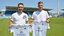 Fotbalisty Slovácka posílil Daniel Holzer (vlevo) a Ondřej Šašinka.