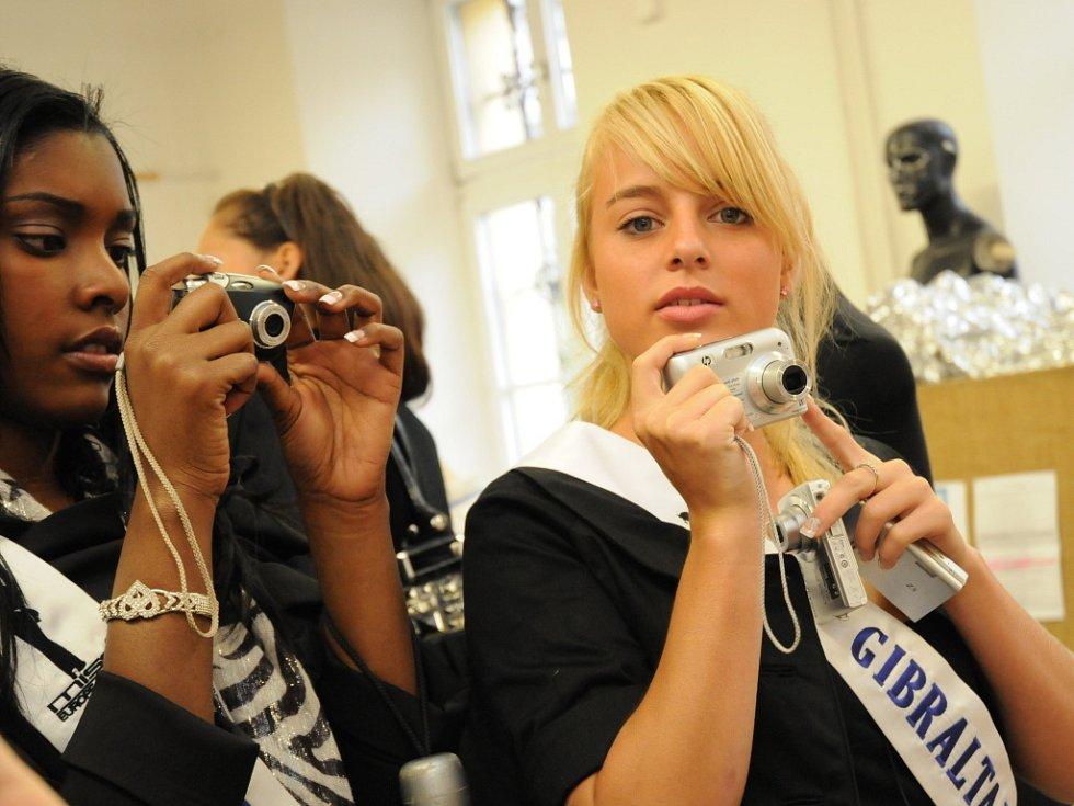 Finalistky Miss Europe and World Junior navštívili Uherské Hradiště.
