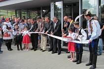 Slavnostní otvírání víceúčelové haly v Březové.