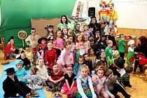 RÁDOVÁNKY. Dětský karneval na Modré se vneděli uskutečnil vrežii tamních skautů a obce.
