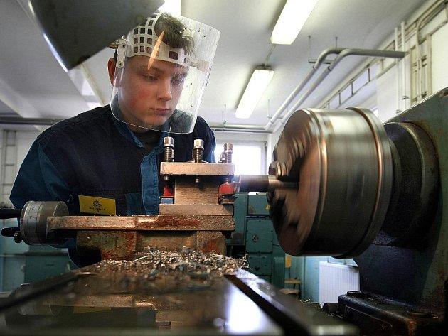 Krajskou soutěž odborných dovedností oboru opravář zemědělských strojů hostilo ve středu 17. března Střední odborné učiliště (SOU) Uherský Brod.