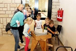 Děti v Památníku Velké Moravy