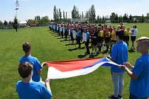 Chlapci ze Základní školy Sportovní v Uherském Hradišti v kategorii IV. na republikovém finále Sportovní ligy v minifotbalu brali stříbro. Foto: archiv pořadatele