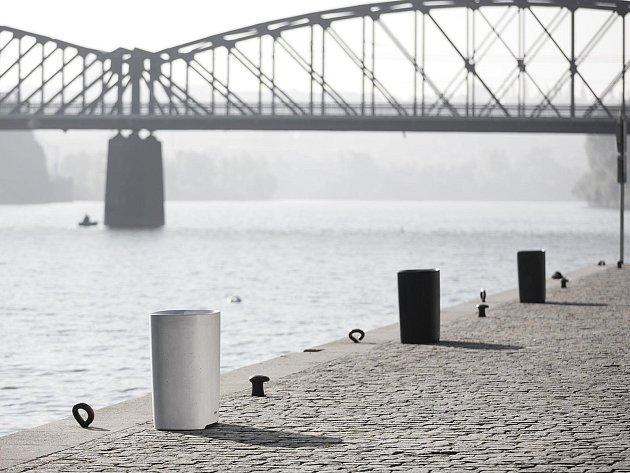 Betonový odpadkový koš uspěl v Chicagu.