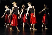 Tradiční koncert žáků tanečního oboru ZUŠ Uherské Hradiště Tanec, tanec, tanec... se v úterý 9. 6. uskutečnil v Klubu kultury
