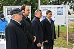 Poklepání základního kamene stavby Cyrilometodějského centra vedle Památníku Velké Moravy ve Starém Městě.