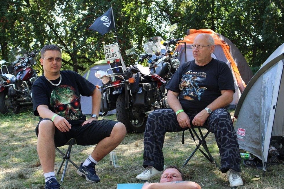 Bůrovce v Topolné hostily 13. motosraz