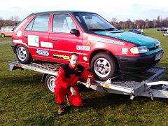 Rally jezdec Jaroslav Škrabal dojel ve Vyškově na posledních závodech autoslalomu v letošní sezoně mohl ve třídě do 1400 ccm druhý.