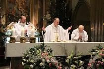 Katolický kněz P. Josef Čunek při své premiérové půlnoční mši ve velehradské bazilice Nanebevzetí Panny Marie a sv. Cyrila a Metoděje.