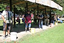 Na myslivecké střelnici před Salaší se uskutečnil střelecký závod Baterie sto holubů