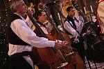 Harafica a Cimbálová muzika Stanislava Gabriela na Boží hod v uherskohradišťském kostele svatého Františka Xaverského