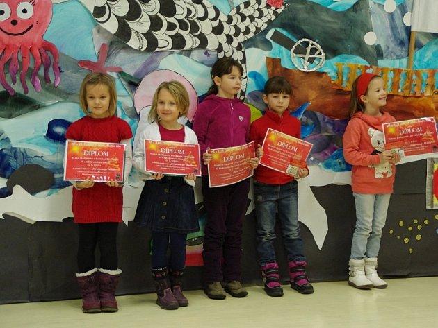 Dvacátý ročník vánoční výstavy v ZŠ a ZUŠ v Dolním Němčí