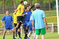 Domácí internacionálové triumfovali na domácím fotbalovém turnaji po dlouhých pěti letech. Ve třech zápasech nasázeli deset branek.