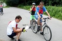 Malebným údolím za obcí Salaš se vydalo v sobotu odpoledne dvaadvacet cyklistů z obce na tradiční závod s názvem Kolem obce na kole.