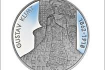 Medaili, kterou razí Pražská mincovna, zdobí motivy nejznámějších obrazů Gustava Klimta.