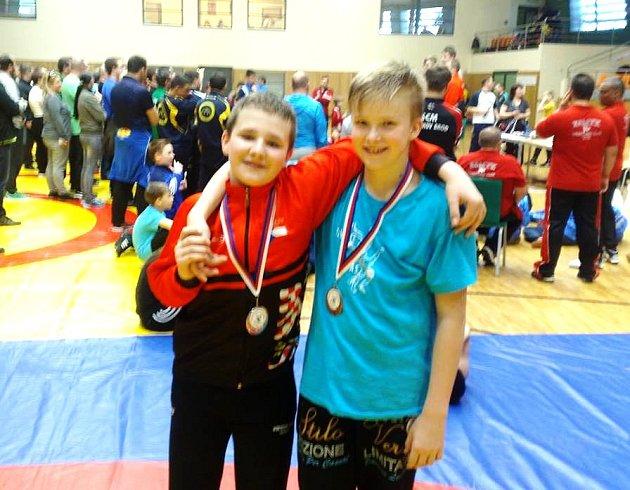 Bronzový medailistapo z turnaje v Hodoníně Filip Jozefák z Nivnice (vpravo) s velkým rivalem Matějem Vrbou z Čechovic, který skončil druhý.