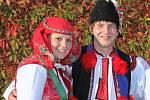Soutěží pár 6 - Radka Nováková a Tomáš Viktora, Popovice, starší stárci na hodech 6.-7. října.