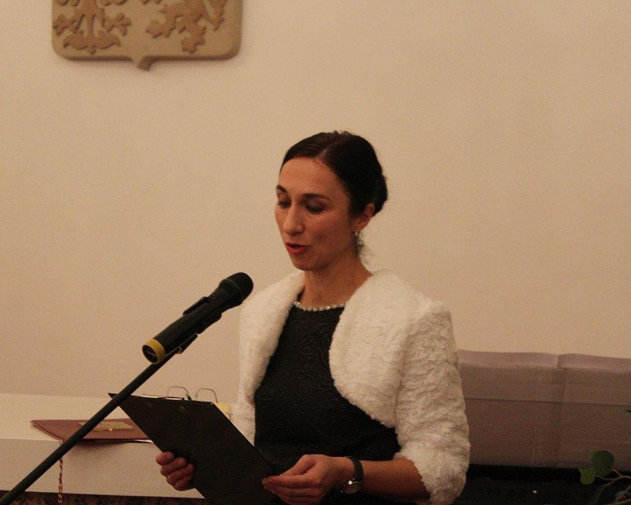 Nakolik bylo dokončení knihy Měli odvahu žít, Miroslavy Polákové, očekáváno, ukázala její prezentace v pátek 14. prosince v obřadní síni Panského domu v Uherském Brodě. Zájemci beznadějně zaplnili nejen její prostor, ale i další sál s obřadní síní propoje