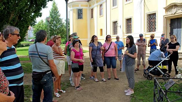 Víkend otevřených klášterních zahrad na Velehradě přilákal kjejich prohlídce širokou veřejnost.