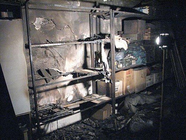Požár garáže.