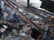 K tragickému výbuchu a požáru v garáži u rodinného domu došlo ve čtvrtek 22. dubna kolem 17.30 v Hluku. V sutinách zahynul pětadvacetiletý muž.