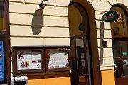 Do 30. června mají zmizet vývěsky z Prostřední ulice v Uherském Hradišti.