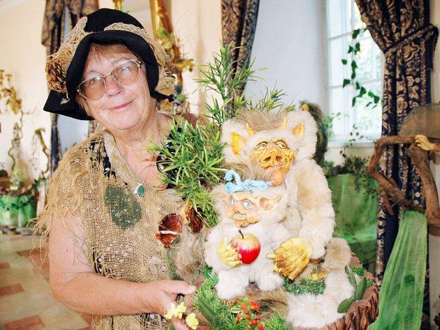 Výstavu kouzelných postaviček zahájila jejich autorka Vítězslava Klimtová.
