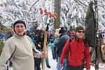 Stovky lidí zavítaly v sobotu 30. prosince na tradiční silvestrovský výšlap na Brdo.