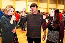 V Boršicích ochutnávali v pátek večer sto třicet vzorků mladých vín.