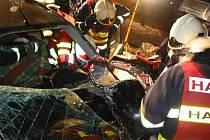 K vážné dopravní nehodě došlo ve středu v noci ve Strání – Květná.