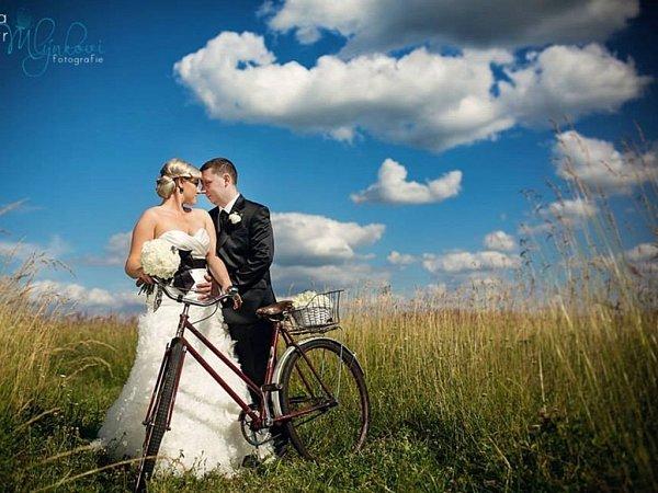 Soutěžní svatební pár číslo 36 - Lenka a Jarek Pačinkovi, Uherský Brod-Újezdec.
