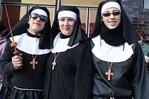Půjdou po fašanku do kláštera?