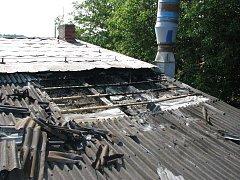 Ohořelá střecha bílovické firmy.