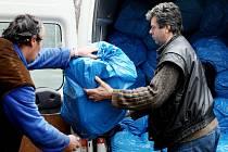 Některé padělané zboží, které celníci a Česká obchodní inspekce zabaví, jde  na humanitární účely.