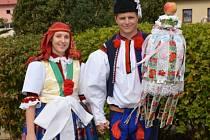 Soutěžní pár číslo 6 - Eva Šáchová a Tomáš Lyko, starší stárci na hodech v Popovicích 1-2. října.