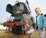 Do Hradiště na Slovácké slavnosti vína a otevřených památek přijela i dvaašedesátiletá parní lokomotiva Rosnička. Vítal ji také šestiletý Matyáš Hrabalík z Napajedel.