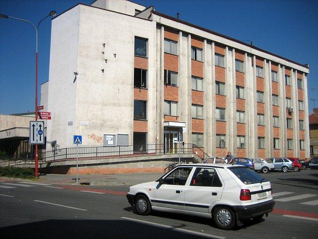 Budova Úřadu práce v Uherském Hradišti.