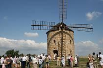 Větrný mlýn v Jalubí jednou bude funkční stavbou.