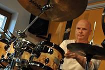 Hráč na bicí nástroje Pavel Fajt. Ilustrační foto.