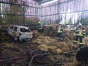 Sedm hasičských jednotek zasahovalo v Jankovicích.