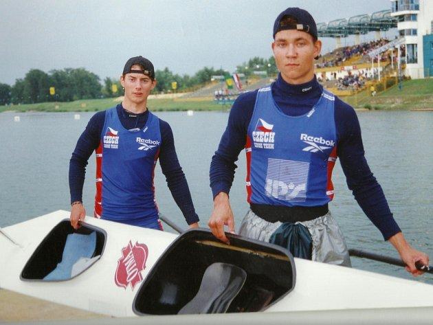Pavel Kusák a Jan Štěrba, osmá loď juniorského mistrovství světa v roce 1999.